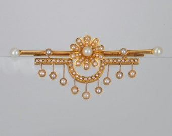 Victorian natural Pearl daisy dangling sophisticated  brooch