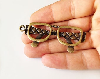 2 Glasses Charms Antique Bronze Tone - Bronze Glasses Charms, Glasses Pendant, Bronze Glasses Pendant, Big Glasses Charm, Glasses Jewelry