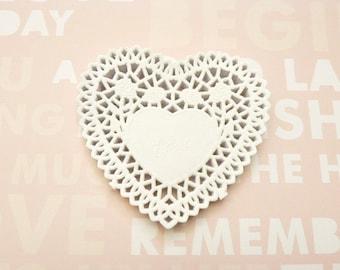 Set heart paper doilies.