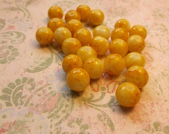 SALE......8mm yellow baking varnish glass round spacer beads 20 pcs glass bead
