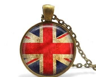 Rustic England Flag Necklace, English Flag Necklace, London UK Flag Necklace, Vintage Style Flag, London Vintage Flag Necklace Pendant