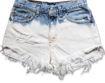 Vintage 90s Levi's Blue White Bleached Ombré Dyed High Waisted Rise Cut Offs Frayed Distressed Jean Denim Shorts – Size 28