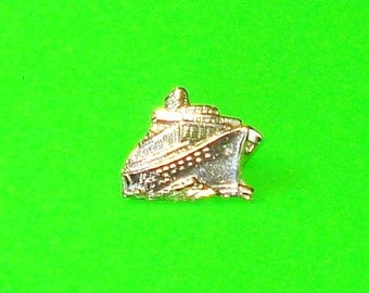 Cruise Ship Sailing Boat Nautical Ship Lapel Souvenir Badge Vintage Pin