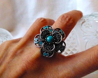 Boho Blue Flower Cocktail Ring - Turquoise Blue Silver Statement Ring
