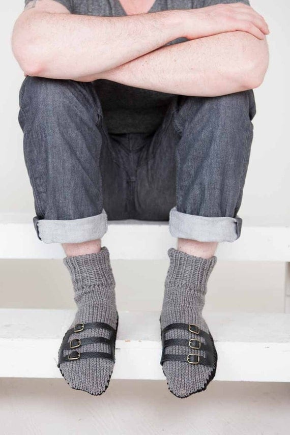 Knitting Pattern For Sandal Socks : Mens Slipper Socks Mens Knit Slippers Grey Black Sandal Sock