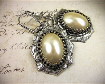 Cream Pearl Bridal Earrings, Renaissance Jewelry, Ivory, Medieval, Ren Faire, SCA Garb, Tudor Costume, Victorian Bridal, Bridesmaid, MedCol