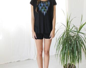 Women t-shirt, Black top, Geometric triangles printed T-shirt, Hand printed tunic, Designer Shirt, kimono top