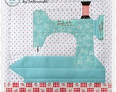 """In The Studio, """"My Featherweight"""" Paper piecing pattern"""