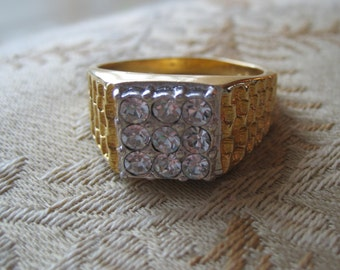 Vintage gold mens ring.   High roller style.  Size 13.