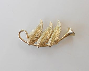 Vintage pin horn and feather brooch 1950s jewelry for her gold tone metal angels music herald