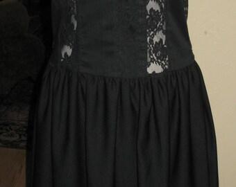 Koos Van Den Akker, New York, Vintage Black / Lace / Applique Dress Like New Never Worn Size 8