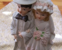 """Vintage 60's """"SIMSON"""" VICTORIAN Wedding Cake TOPPER - Bride and Groom Hand Painted Figurine"""