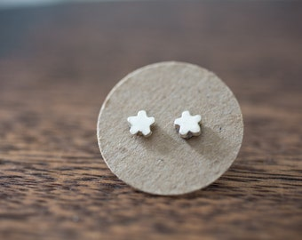 Silver flower earrings - tiny flower earrings - tiny flower studs - sterling silver -Wedding jewelry - Bridesmaid Earrings - Everyday
