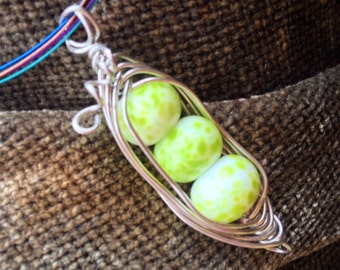 Pea pod pendant lamp work beads wire wrapped