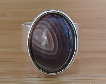 Botswana Agate Ring. Agate Cabochon Ring. Gray Ring. Chalcedony Ring. Adjustable Ring