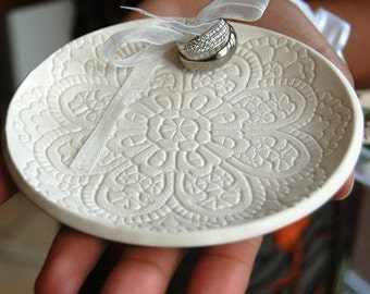 Ceramic Ring Dish, Wedding Ring Dish, Ring Pillow, wedding ring holder, Porcelain wedding ring Bowl, Hand Built