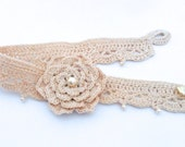 Crocheted Choker With Flower and Pearls