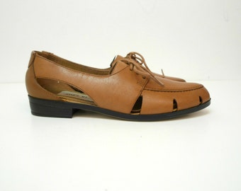 SALE!!! Jones Wear oxford shoes . brown leather . size 7B