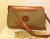Vintage DOONEY and BOURKE Purse //  Cross Body Shoulder Bag // Tan Pebbled Leather // Made in USA