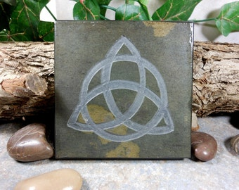 TRIQUETRA 4x4 Art Tile - Irish Trinity Knot Coaster Art - Hand Carved Slate Stone, Etched Slate Triqueta Art, Celtic Knot Irish Art Decor
