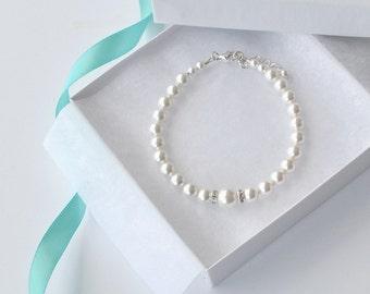 White Pearl Bridal Bracelet, Pearl and Crystal Bracelet, Bridesmaid Gift, Simple Pearl Bracelet, Handmade Wedding Jewelry, Swarovski Pearl