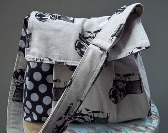 MEDIUM Camera Bag Purse Large Adjustable Strap Hard Bottom Padded THREE Pockets