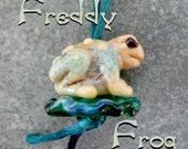FREDDY FROG HelensHarvest Glass Lampwork Frog and Lily Pad Handmade Beads