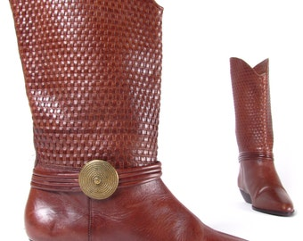 vintage  80's riding brown leather woven shaft gold medallion harness woman's heel boots sz woman's 8