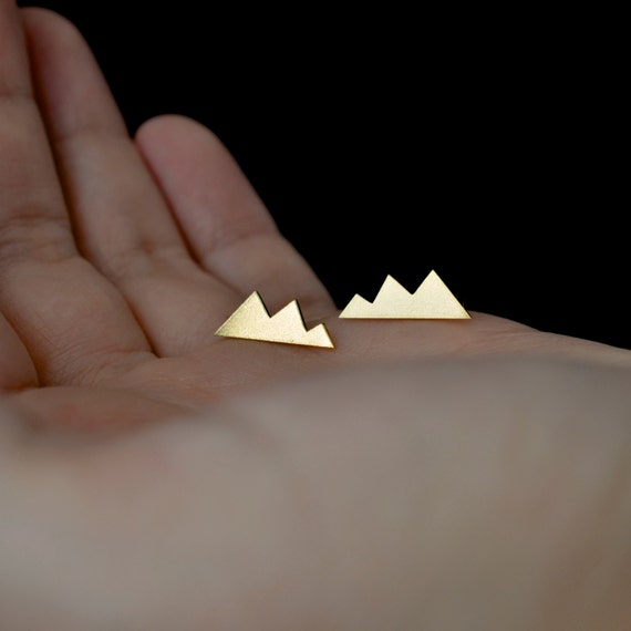 Mountain peak earrings in brass - nickel free earrings - gift for her / gift for mom / gift for bridesmaid / gift for sister