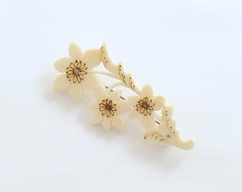 Vintage Brooch Flower Pin Costume Jewelry