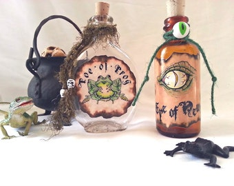 Eye of newt and Toe of Frog potion poison spell witchs brew bottles halloween props