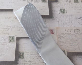 Mens Ties. Necktie Gray Silver Stripes Skinny Tie