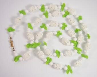 Plastic Flower Bead Necklace Vintage 50s Jewelry