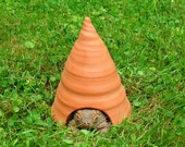 Small Terracotta Toad House