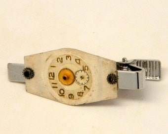 Steampunk tie clip. Steampunk jewelry.