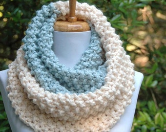 Chunky Knit Infinity Scarf, UNC Mystic Blue Winter& White Colorblock, Hand Knit Infinity Scarf, Women Scarves, Knitted Scarf, Winter Scarf