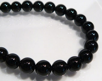 Black Onyx  Smooth  Round Gemstone Beads.... 6 Beads....8mm