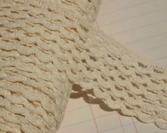 """Loop Cluny Trim -  Cream Cotton Sewing Lace - 1 1/2"""" Wide - 4 Yards"""
