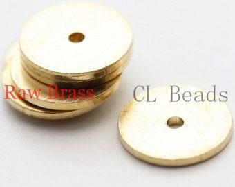 30pcs Raw Brass Center Hole Round Disc - 10mm (1861C-U-94)