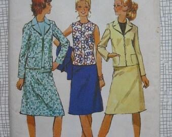 """1971 Suit & Blouse - 38"""" Bust - Simplicity 9802"""