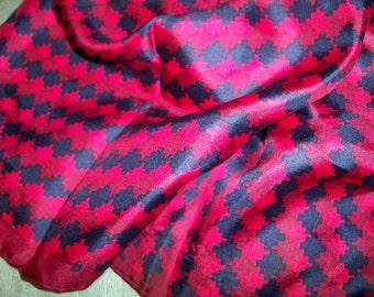 Vintage Ladies Navy Red Zigzag Print Scarf Hand Rolled Edges