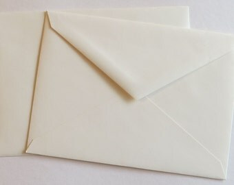PPE45  Qty. of 50 A7 70 lb. Vanilla Paper Envelopes 5 1/4 x 7 1/4 (13.34cm x 18.42cm)