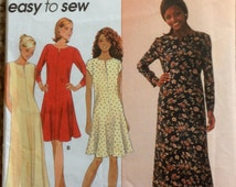 Simplicity  7324 EASY  Misses Miss Petite Pullover DRESS Pattern Womens Sewing Pattern Size 4 6 8 Bust  29 30 31 UNCUT