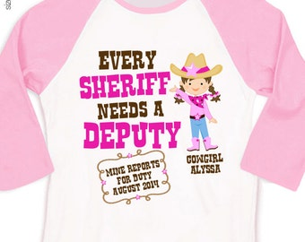 Big sister to be cowgirl shirt - cowgirl sheriff pregnancy announcement sporty raglan style Tshirt