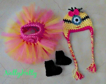 Despicable Me For Girl Crochet Hat ,boots and  tutu Diaper Cover and bow, Minion Halloween costume, Despicable me  baby costume