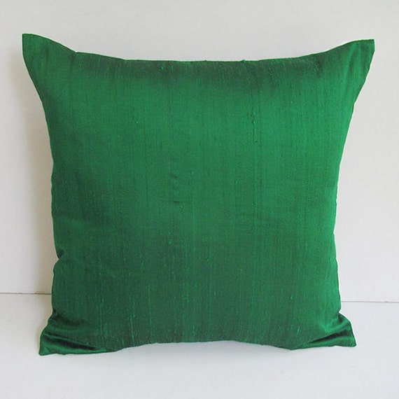 kelly green dupioni silk pillow. Decorative green pillow.