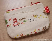 Little Red Ridding Hood mini zipper pouch (Red)