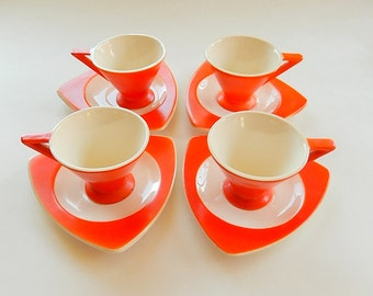 Fab 1930s Demitasse Set for 4: Atomic Art Deco Salem Streamline Cups & Tricorne Saucers in Mandarin Orange, Grade B