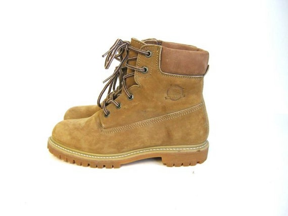 STOREWIDE SALE... Vintage yellow leather work boots. women's 7.5
