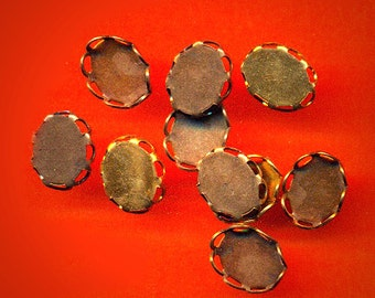 Vintage Lot 24 Aged Brass Lacy Edged Oval Setrings 7x9MM  AM4